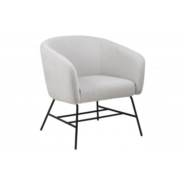 Ramy lænestol i lysegrå og mat sort metal stel.