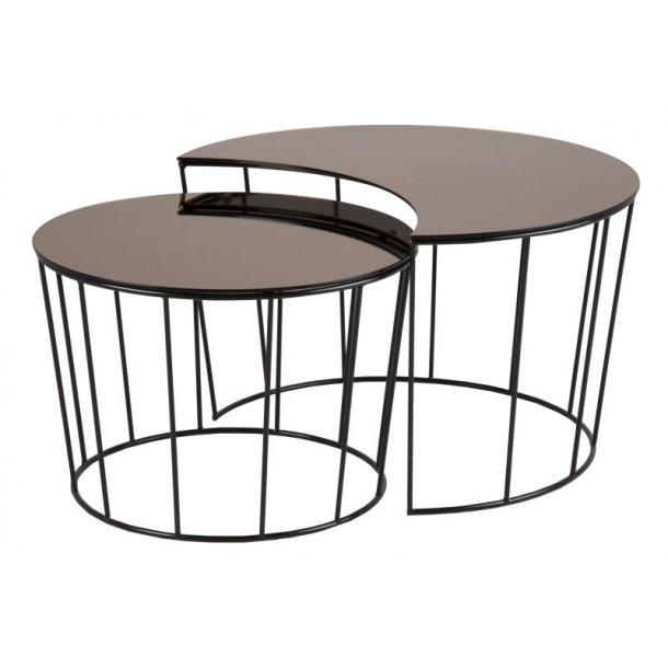 Sunny sofabord som indskudsborde i bronzefarvet spejlglas, Ø 76 og 58 cm.