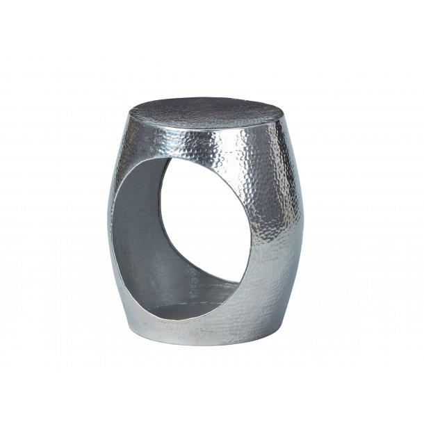 Agil sofabord hjørnebord sølv farvet.