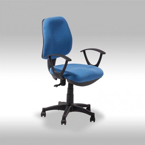 Ravna kontorstol i blå stof.