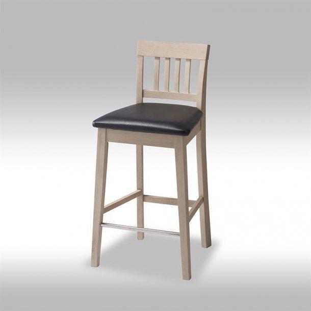 Tolle barstol i sæbebehandlet eg.
