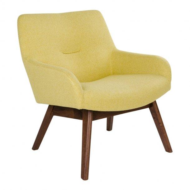 Lone lænestol i gul med valnødde ben.