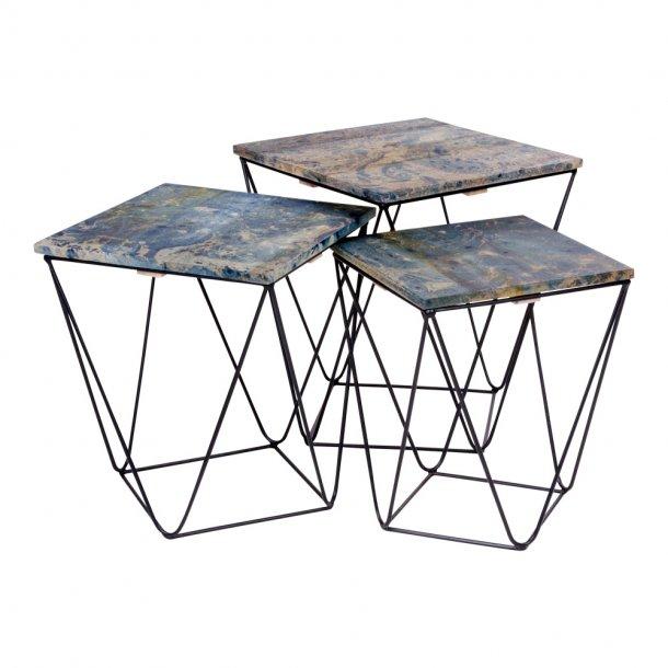 Rano hjørnebord i blå med stål ben i sort.