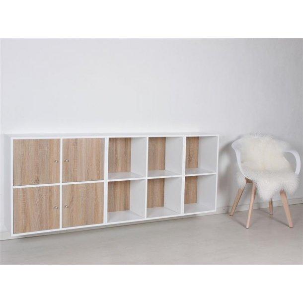 Stripe modulreol med 10 rum i hvidlakeret og 4 låger i 3D Sonoma eg.