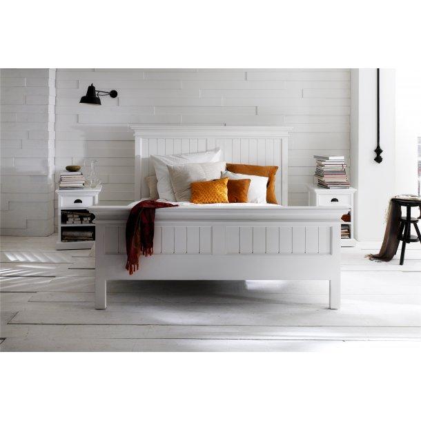 Halifax seng 160x200 cm hvid.