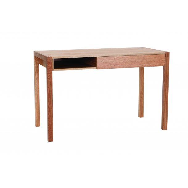 Neem skrivebord med 1 skuffe og 1 hylde eg.