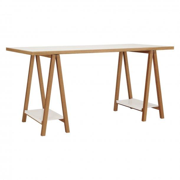 High skrivebord med 2 hylder hvid og eg.