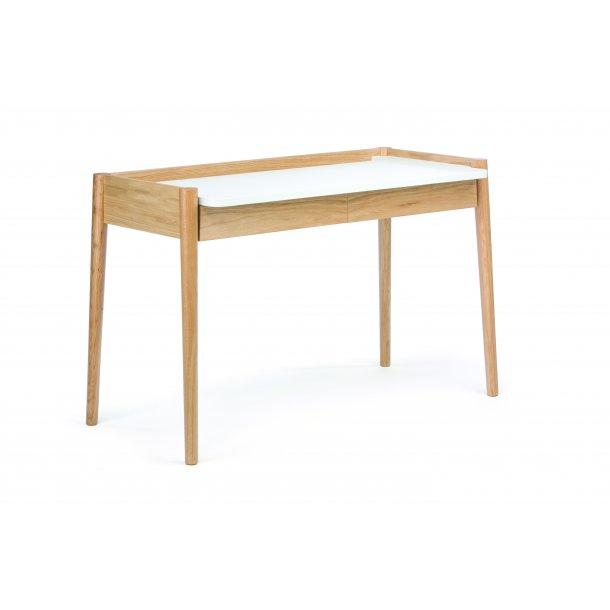 Ferack skrivebord med 2 skuffer og 1 hylde eg og hvid.