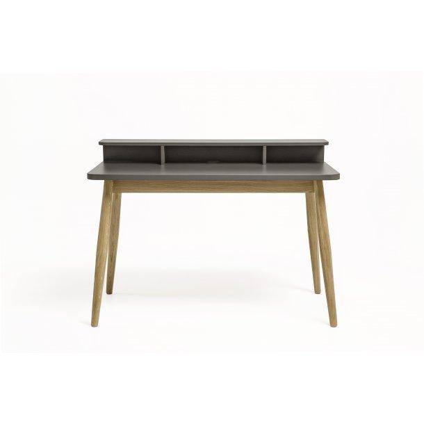 Farm skrivebord med hylder grå og eg.