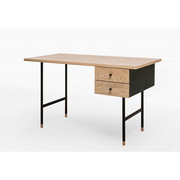 Julian skrivebord med 2 skuffer eg og sort.