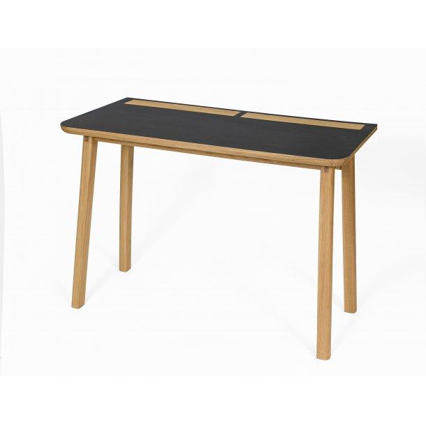 Kortny skrivebord med lækre opbevarings detaljer sort og eg.