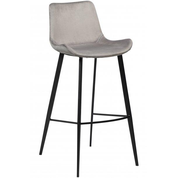 Danform Hype barstol velour grå. Kjøp nå og få levert på døren.