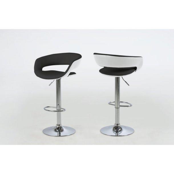 Gramma barstol i sort og hvid PU kunstlæder og med fod i chrome med gaspatron.