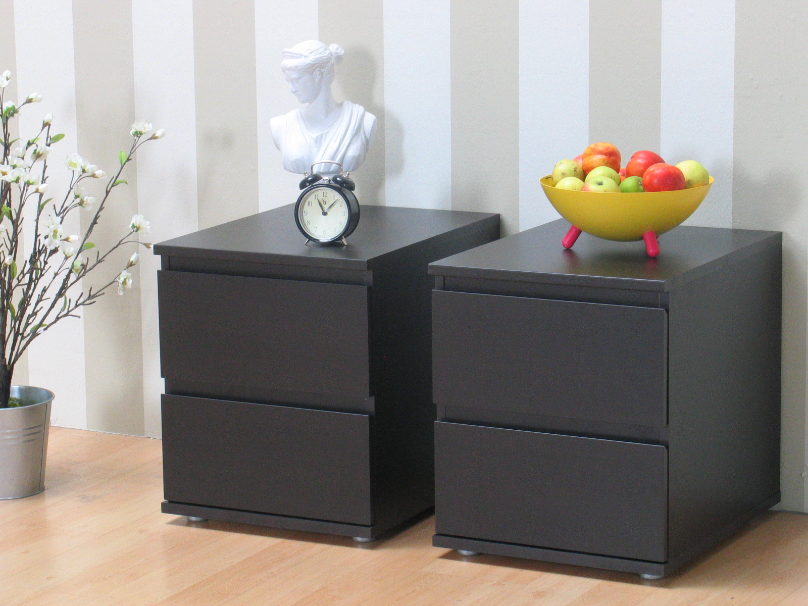 mia nachttische 2 stck kolonial bestellen sie hier. Black Bedroom Furniture Sets. Home Design Ideas