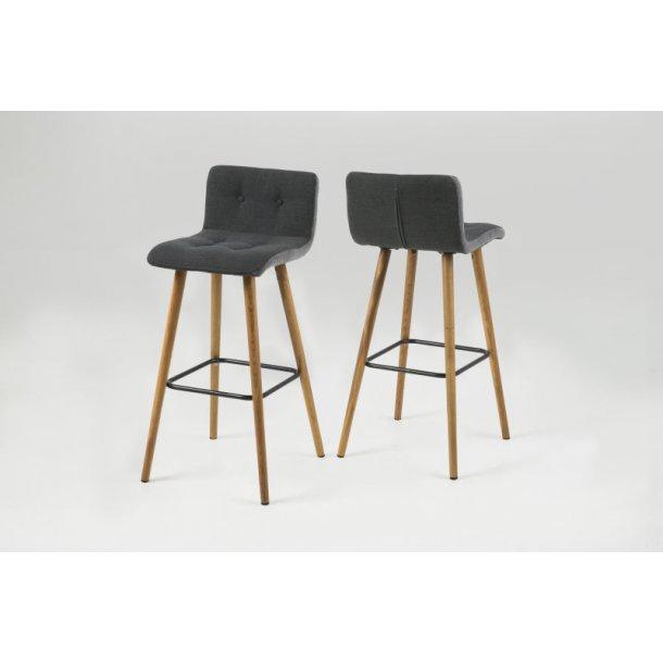 Frise barstol i mørk grå med sider i lys grå og med ben i massiv eg oliebehandlet.