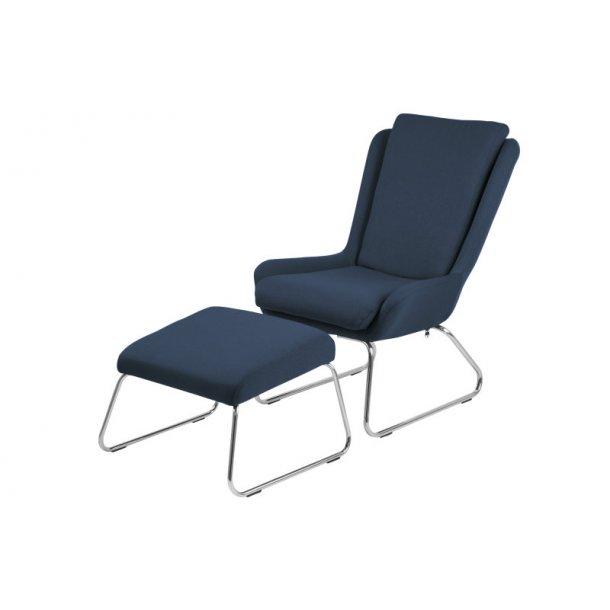 Kristin lænestol med fodskammel i mørkeblå.