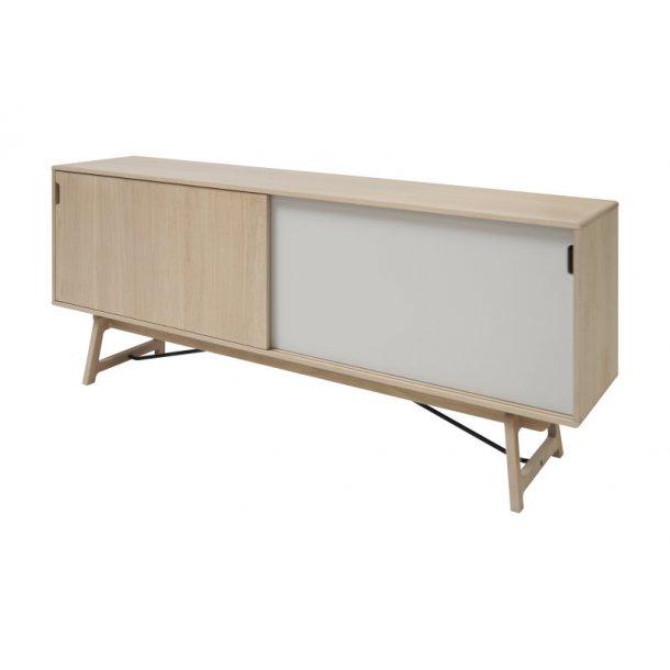 eis sideboard mit 2 schiebet ren aus eichenfurnier natur wei und stahl bestellen sie hier. Black Bedroom Furniture Sets. Home Design Ideas