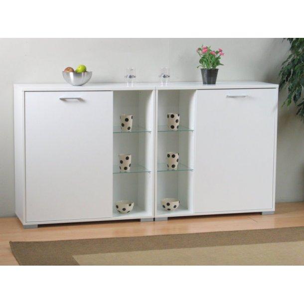 Wega skænk hvid med 2 låger og 4 glashylder. Kan stilles på gulvet eller hænges på væggen.