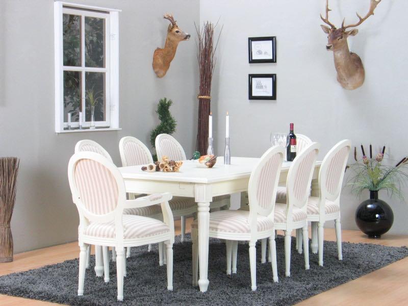Avansert Spisegruppe med Amaretta bord + 2 tillægsplader og 2+6 Rokoko stole NS-22